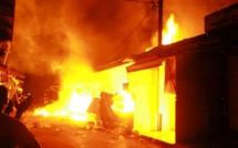 Un incendie ravage un grand marché au nord d'Abidjan