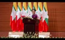 """Aung San Suu Kyi minimise la crise des Rohingya : """"Venez voir vous-mêmes !"""""""