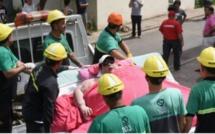Ils abattent un mur pour permettre l'hospitalisation d'une femme de 490 kilos