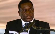 Zimbabwe : le vice-président limogé de retour, Mugabe s'accroche