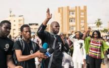 VIDEO: En Direct, devant l'ambassade de la Libye en France