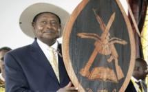 """""""Pays de merde"""" : Le président ougandais salue la """"franchise"""" de Trump sur les pays africains"""