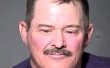 Il trouve un cadavre dans le désert, 30 ans plus tard, il est accusé du meurtre