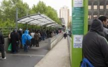 « Immigration maîtrisée » : combien pèsent les sans-papiers africains dans l'économie française ?
