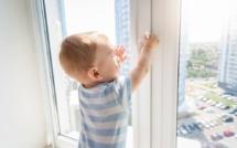 Un enfant tombe du 3e étage : il est rattrapé in extremis par des policiers !