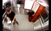 Un Cadavre dans l'Ascenseur !!! Caméra cachée brésilienne