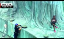 USA : Une femme originaire de la RDC, escalade la statue de la Liberté. La raison (vidéo)