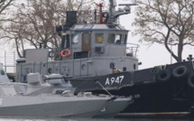 VIDEO - La Russie capture trois navires ukrainiens en mer Noire