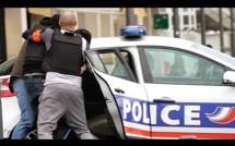Je m'échappe d'une voiture de POLICE (IbraTV) Prank