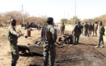 Attaque d'une base militaire au Mali: 8 personnes au moins tuées
