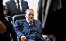Algérie: Bouteflika confirme qu'il restera président pendant la transition