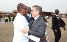 Guinée: Les allers-retours de Nicolas Sarkozy à Conakry intriguent les Guinéens