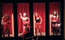 Bruxelles : un homme découvre sa femme derrière une vitrine de prostitution