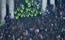 Les étudiants britanniques à nouveau dans la rue, sous haute surveillance
