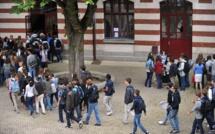 """""""J'étais mort de peur"""": Le témoignage bouleversant d'un collégien de 14 ans tabassé et violé par d'autres élèves"""