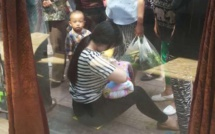 La jeune femme de 26 ans trouve un bébé abandonné dans un carton. Ce qu'elle fait ensuite a troublé toute une nation!