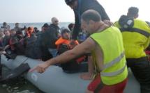 Ancien réfugié, il est aujourd'hui bénévole sur les plages grecques