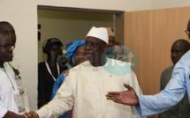 """Vidéo-  Le Président Macky Sall visite les locaux de l'hôpital """"Dalal Jamm"""" de Guédiawaye"""